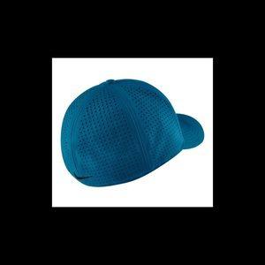 6b8ea94b5 Nike Train Vapor True Hat Industrial Blue/Black NWT